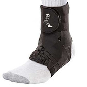 42220-Mueller-The-One-Ankle-Brace-Black.jpg