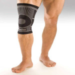 Mueller-4-Way-Stretch-Knee-Support-01.jpg